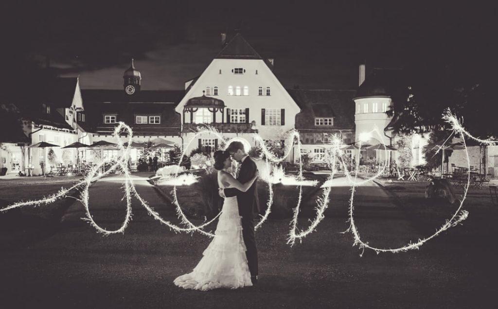 Professionelle Hochzeitsfotografie von Jung und Wild design - Hochzeit auf Gut Sonnenhausen Glonn bei München