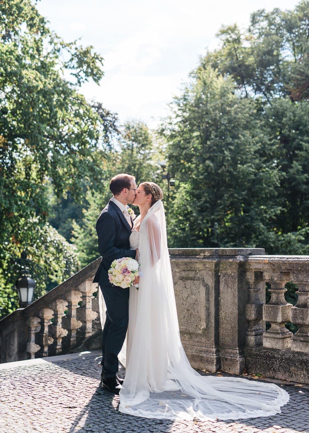 jungundwild-wedding-munich-kuf-vespa-0033