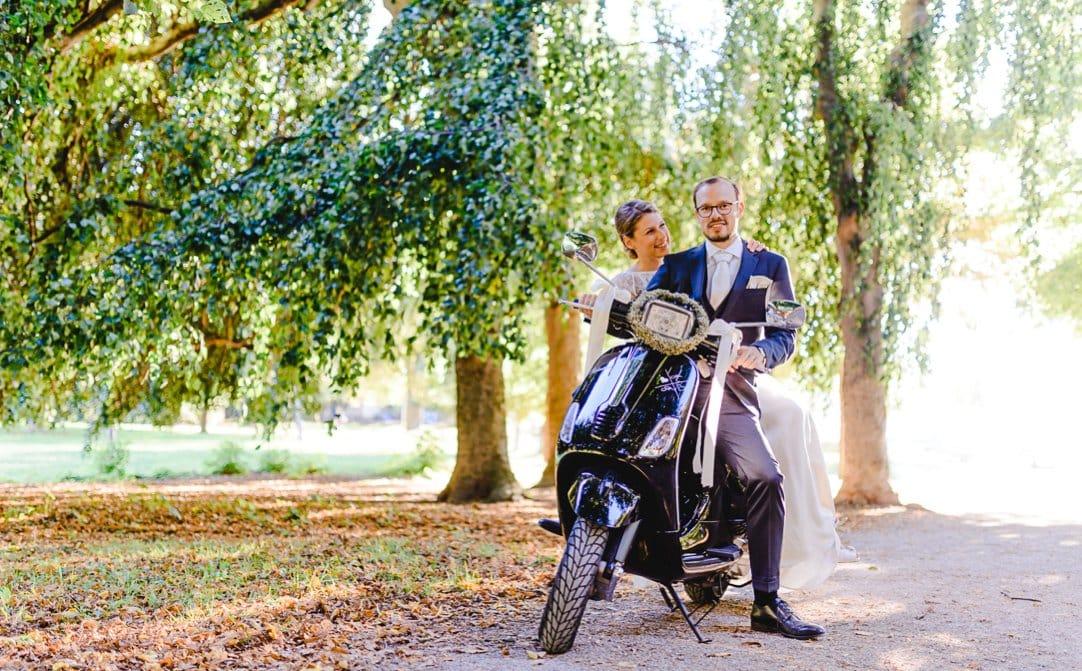 jungundwild-wedding-munich-kuf-vespa-0055