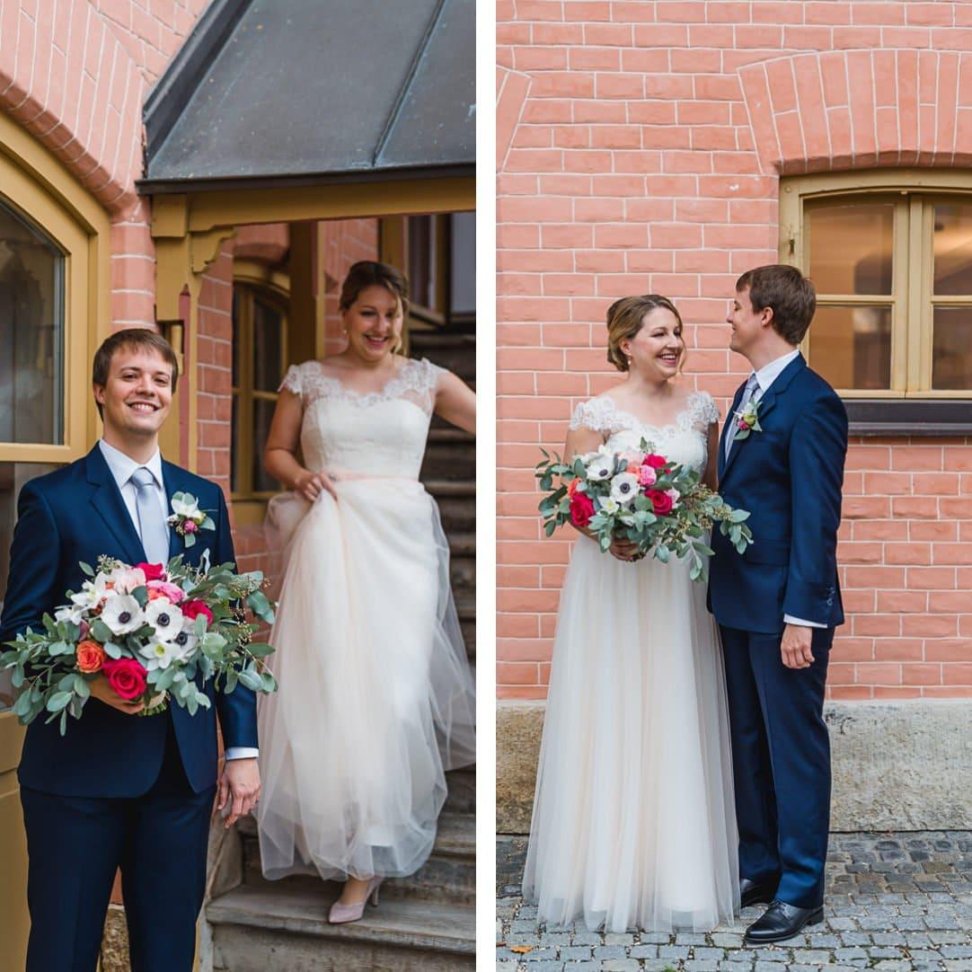 First Look im LaVilla am Starnberger See, Brautstrauß von das Blühende Atelier, Kleid von LaRobe Marie, Jung und Wild design