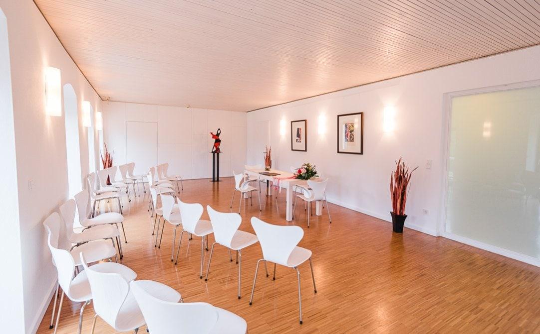 Standesamthochzeit im Pöcking, heller Saal, Herbsthochzeit von Jung und Wild design