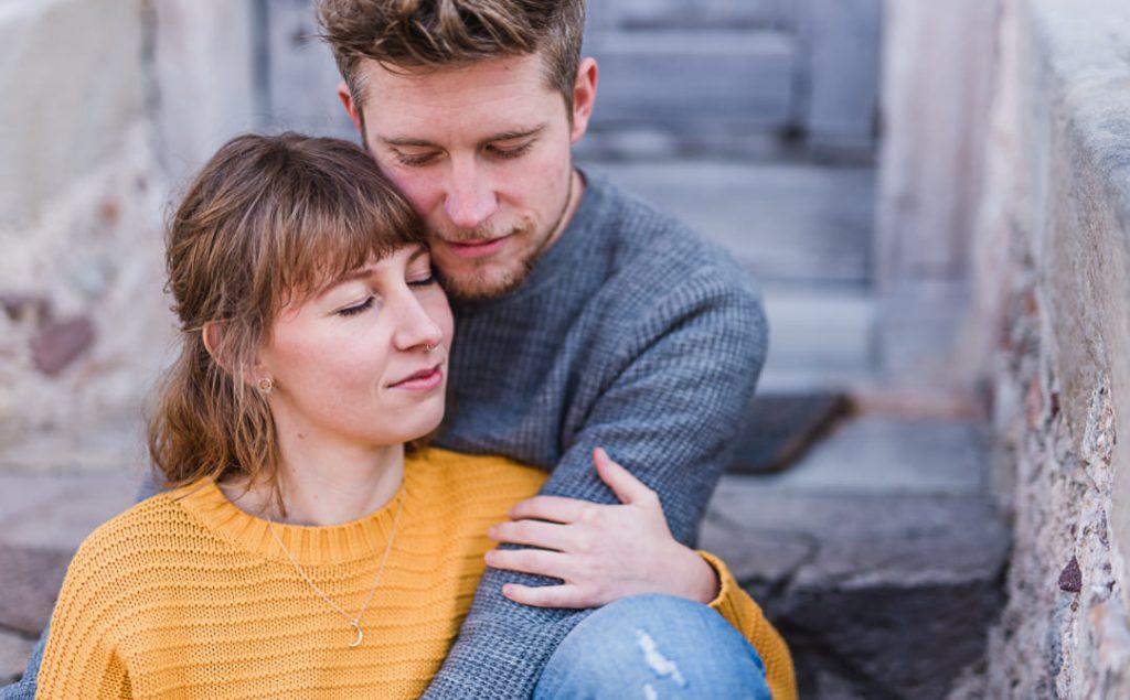 Jung und Wild design - Einfühlsame und emotionale Pärchenfotos in Südtirol, Portrait- und Paarfotografie vom Profi