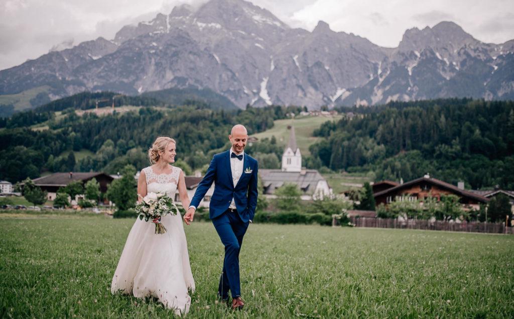 Hochzeitsfotos in den Alpen, Alpenhochzeit in Leogang, Kirchenwirt, Hochzeitsfotografin Mica Zeitz Jung und Wild design, Hochzeitsreportagen in München, Scheyern, Pfaffenhofen, Ingolstadt, Augsburg